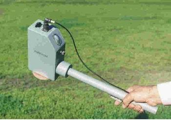Представляет собой высокочувствительный селективный измеритель электромагнитного поля.